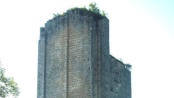 Mauzens-Miremont – Le castrum de Miremont